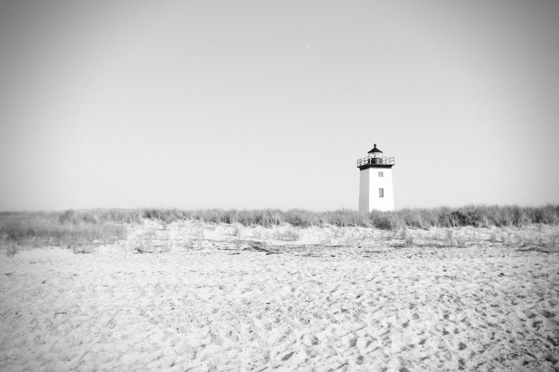 Lighthouse on the beach, black and white, lighthouse, beach, gray, sand