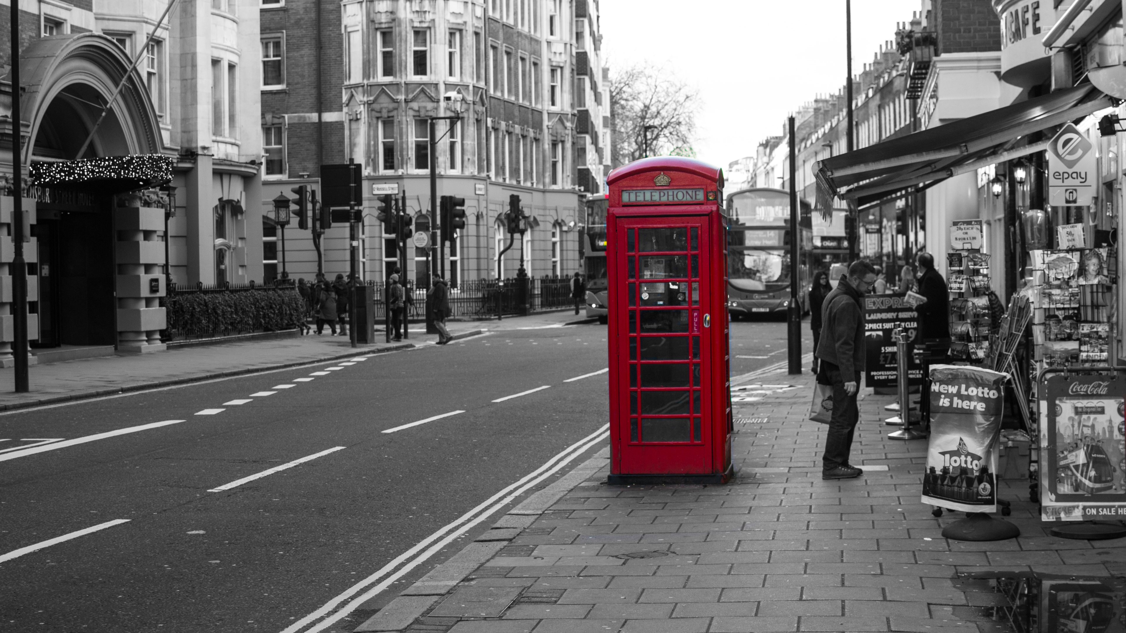 Picalls.com | Telephone booths in London by y.becart.