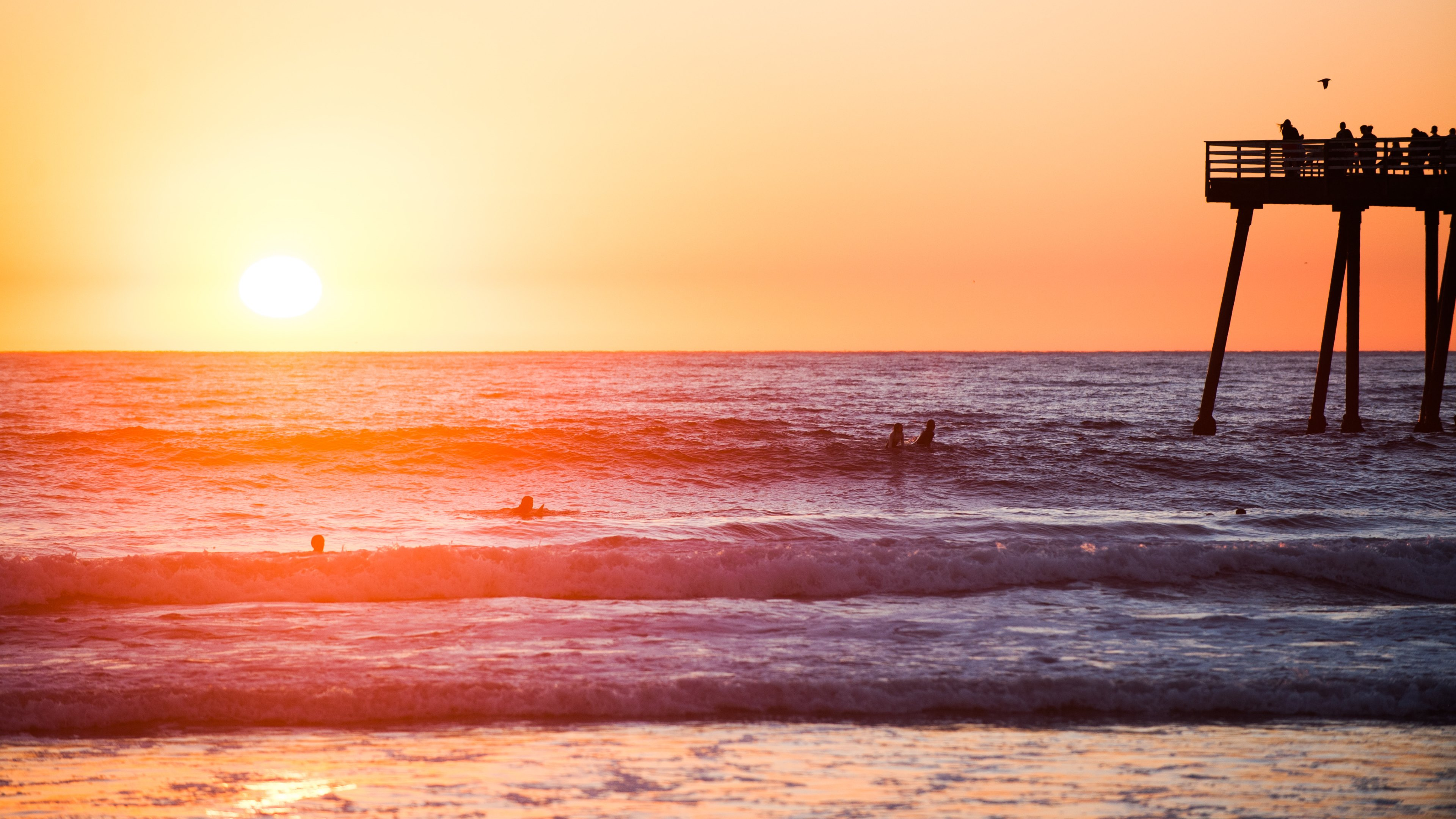 Days of summer, sea, waves, pier, surfer, surfing, table, sunset, heat, water