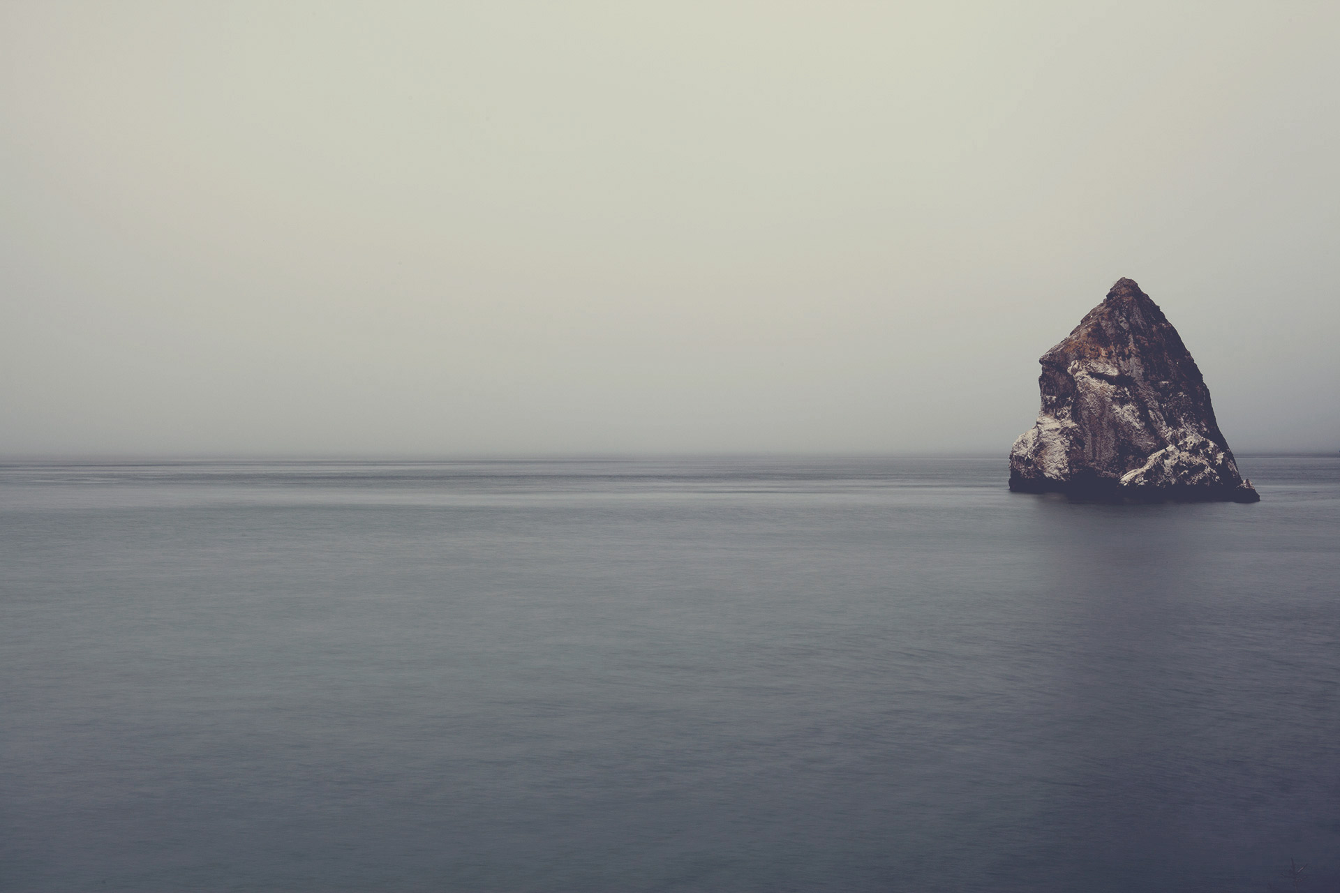 Rock in the middle of the ocean, cliff, rock, rock, island, ocean, sea, water, rock, sky, landscape, nature