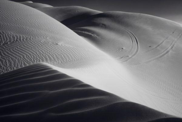 Black and white desert, desert, sand, black and white, wind, dunes